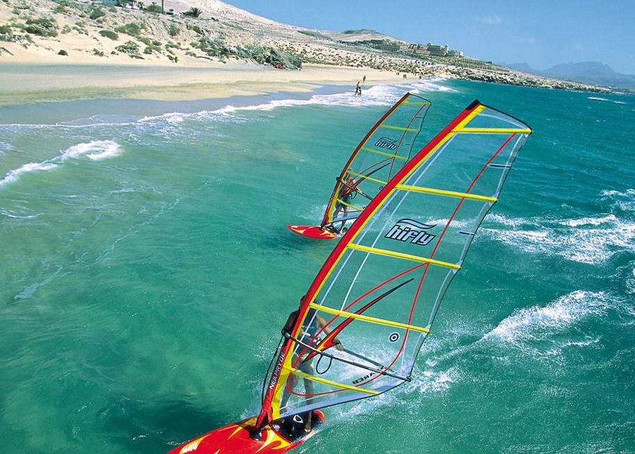 The Windsurfing Short Board - Speed and Thrills on the Water